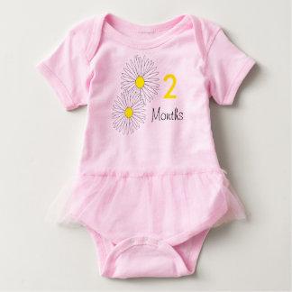 2 months daisy baby bodysuit