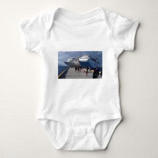 2 naves que sorprenden body para bebé
