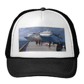 2 naves que sorprenden gorra
