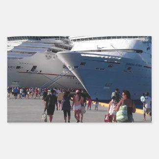 2 naves que sorprenden pegatina rectangular