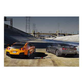 2 Nissan GT-R R35 en Los Ángeles céntrico Posters