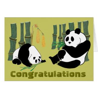 2 pandas comen la tarjeta de cumpleaños tropical d