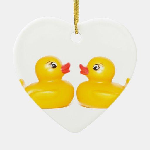 2 patos de goma en amor adorno navideño de cerámica en forma de corazón