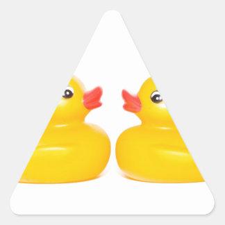 2 patos de goma en amor calcomanías trianguloes personalizadas