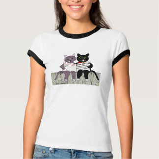 2 smart cats reading newspaper T-Shirt