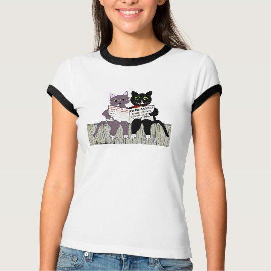 2 smart cats reading newspaper T-Shirt