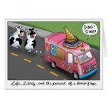 2 vacas y un camión del helado del pollo tarjetón