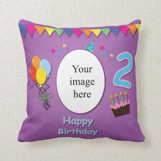 2da almohada feliz del cumpleaños con su foto