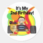 2das camisetas y regalos del cumpleaños del coche pegatinas redondas