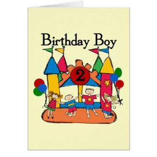 2das camisetas y regalos del cumpleaños del muchac tarjeta de felicitación