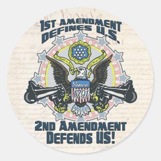 2do La enmienda defiende el engranaje Arma-Toting Pegatinas Redondas