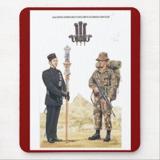 2do Propios rifles del Gurkha de rey Edward VII Mouse Pads