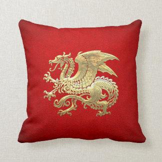 [300] Icelandic Dragon, Landvættir [Gold] Throw Pillow