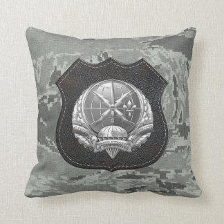 [300] SOWT Badge [Crest] Throw Pillow