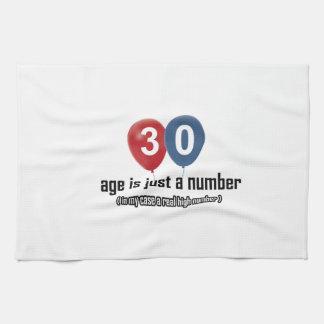30 años nada pero un número diseñan toallas de mano