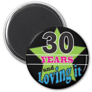 30 años y amor de él - trigésimo cumpleaños imán redondo 5 cm