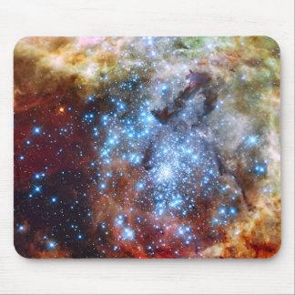 30 cúmulos de estrellas de la nebulosa de Doradus Alfombrillas De Raton