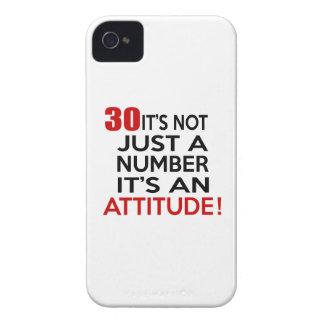 30 no es apenas un número que es una actitud iPhone 4 Case-Mate carcasa