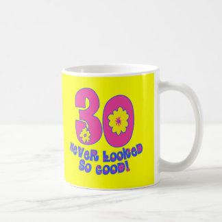 ¡30 nunca parecido tan bueno! taza