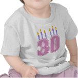 30 velas del cumpleaños (rosa/púrpura) camiseta