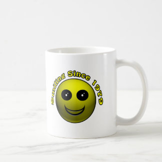 30th Birthday Gifts, Smiling Since 1979 ! Mugs