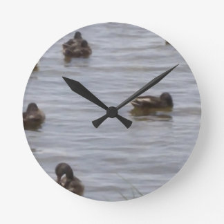 3101ducks round clock