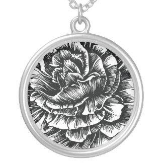 311-Le Plush Fleur - Black et White Round Pendant Necklace