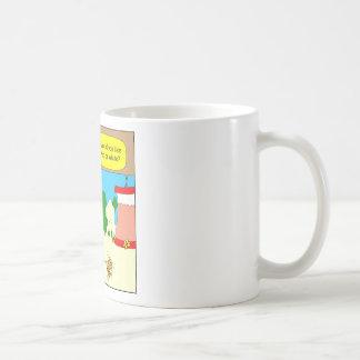 314 Red or white hummingbird wine cartoon Coffee Mug