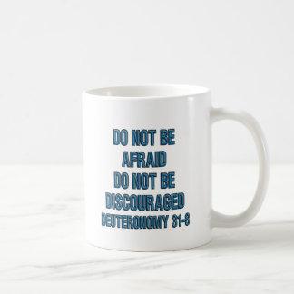 31:8 de Deuteronomy Taza