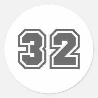 32 ROUND STICKERS
