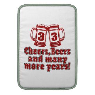 33 diseños del cumpleaños de las cervezas de las funda  MacBook