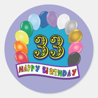 33ro Diseño de los globos del cumpleaños Etiquetas Redondas