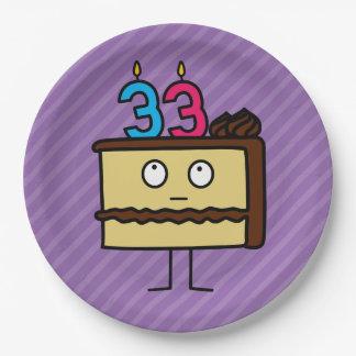 33ro Torta de cumpleaños con las velas Platos De Papel