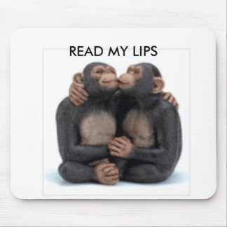 34511 READ MY LIPS MOUSE MAT
