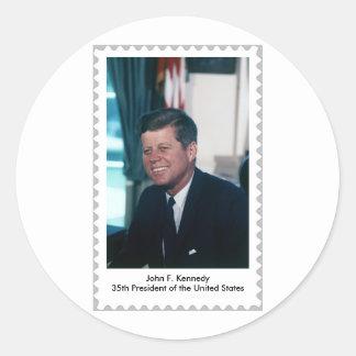 35to presidente Almost de John F. Kennedy un sello Etiquetas Redondas