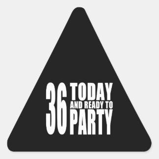 36.o Fiestas de cumpleaños: 36 hoy y aliste para Calcomanías De Triangulos Personalizadas