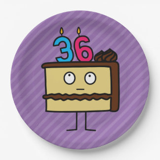 36.o Torta de cumpleaños con las velas Platos De Papel