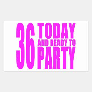 36.os cumpleaños de los chicas: 36 hoy y aliste rectangular pegatina