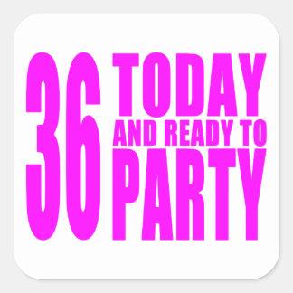 36.os cumpleaños de los chicas: 36 hoy y aliste calcomania cuadradas personalizadas
