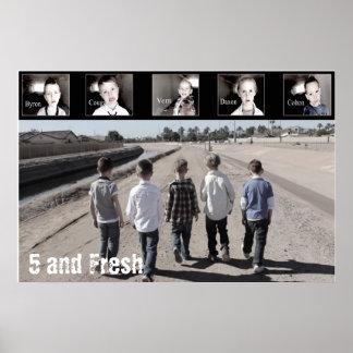 """36"""" x 24"""" cinco y el Poster-Caminar fresco Póster"""
