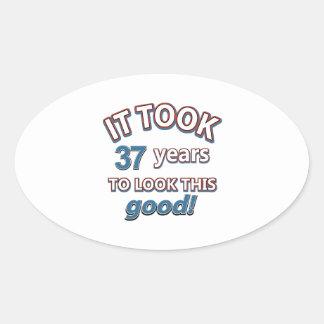 37.os diseños del cumpleaños del año pegatina ovalada