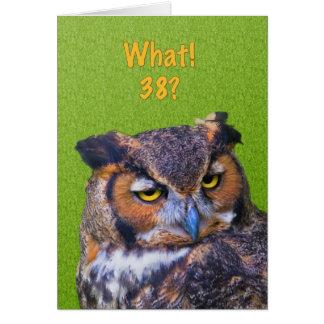 38.o Tarjeta de cumpleaños con el gran pájaro del