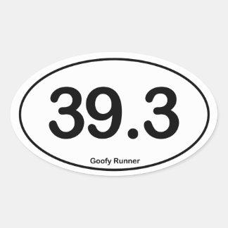 39,3 Corredor torpe - pegatina oval