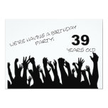 39.a invitación del fiesta con las muchedumbres