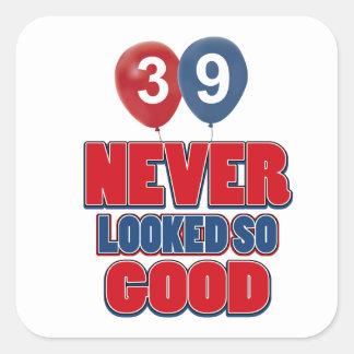 39.os diseños años del cumpleaños pegatina cuadrada