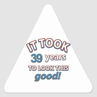 39.os diseños del cumpleaños del año pegatina triangular