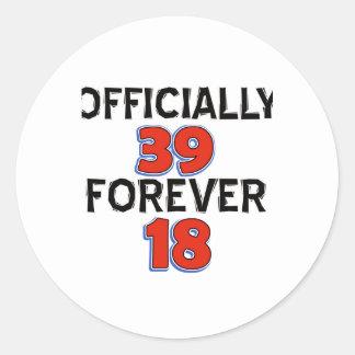 39.os diseños del cumpleaños pegatina redonda