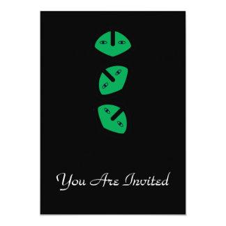 """3 cabezas extranjeras verticales invitación 5"""" x 7"""""""