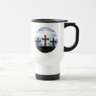 3 cruces rugosas con el cielo taza de viaje de acero inoxidable