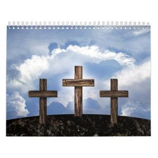 3 cruces rugosas con el cielo calendarios